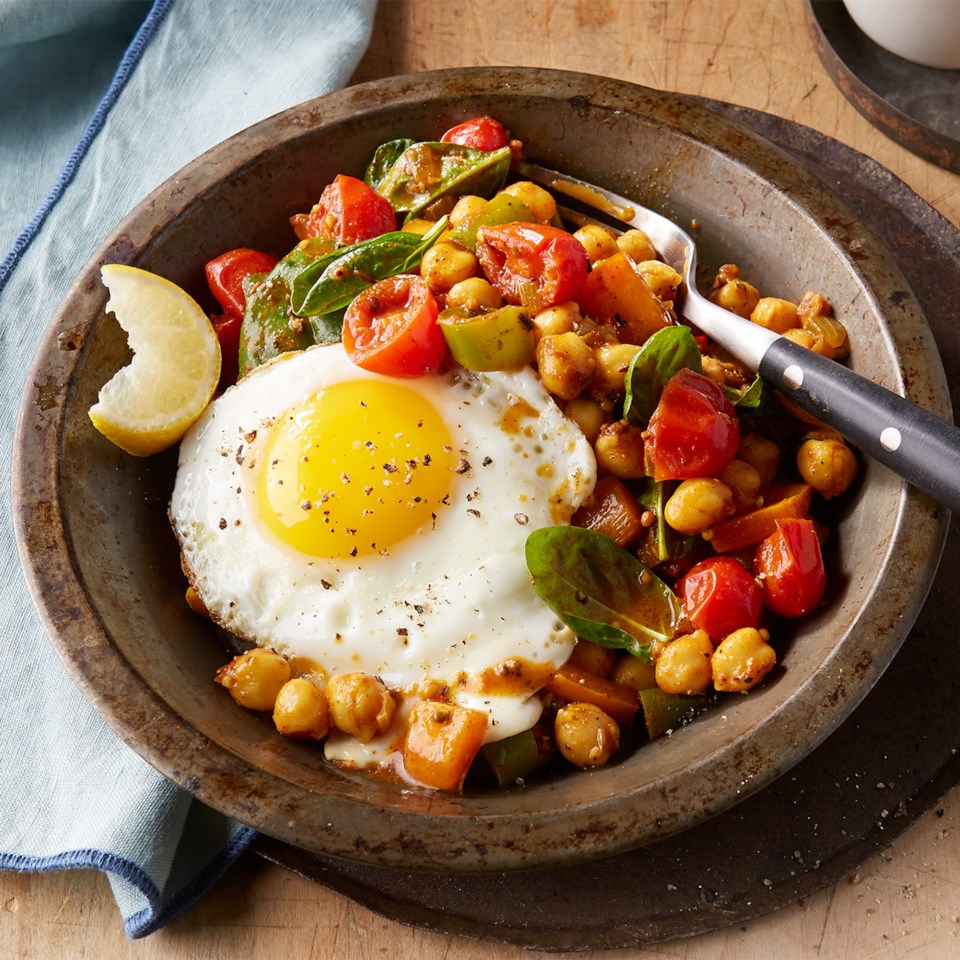 Chickpeas with Peppers & Eggs Recipe