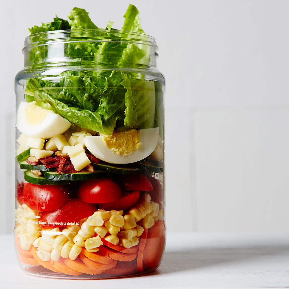 4 Tips for Building the Perfect Mason Jar Salad
