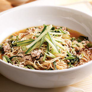 Classic Chinese noodle dish with half the sodium (and more than twice the fiber!)