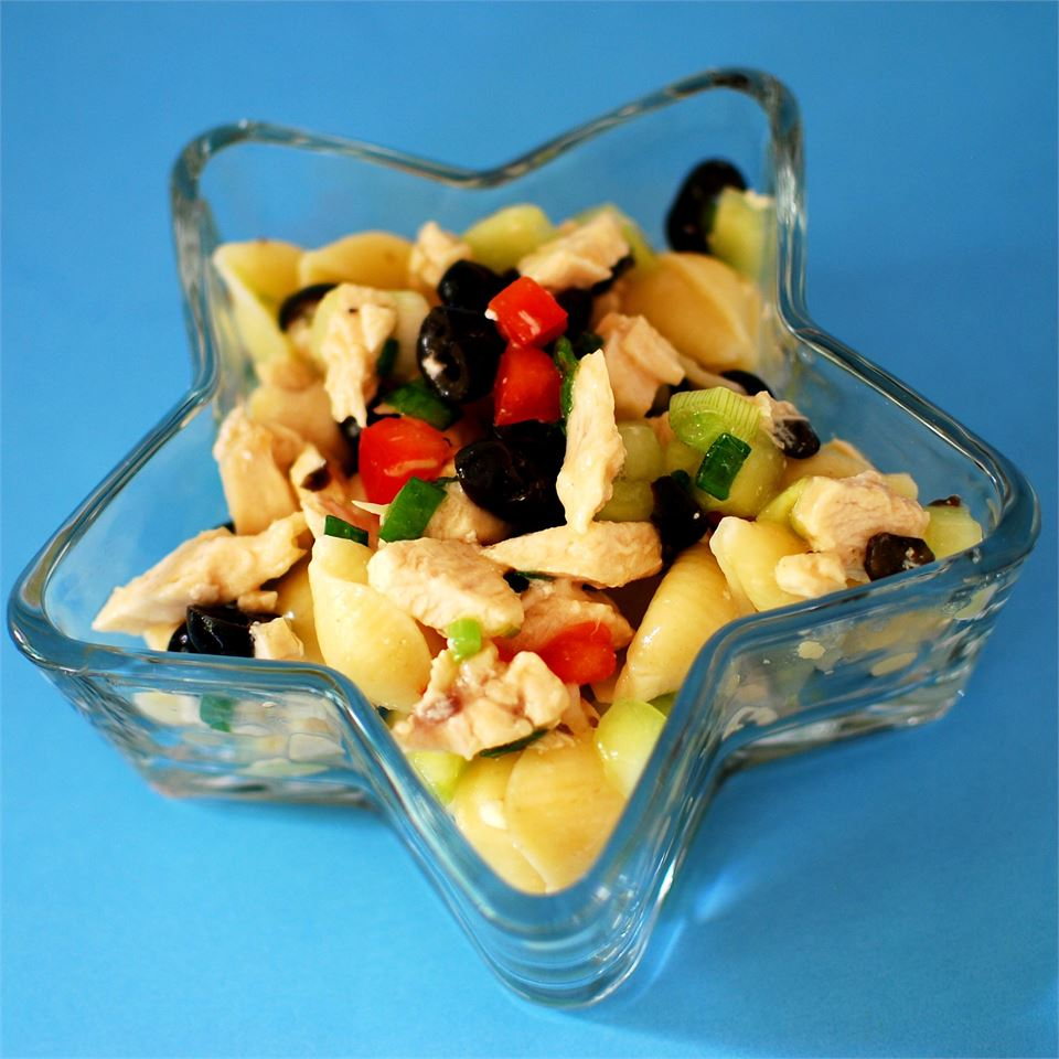 Chicken and Vegetable Pasta Salad BETHANYGRONBERG