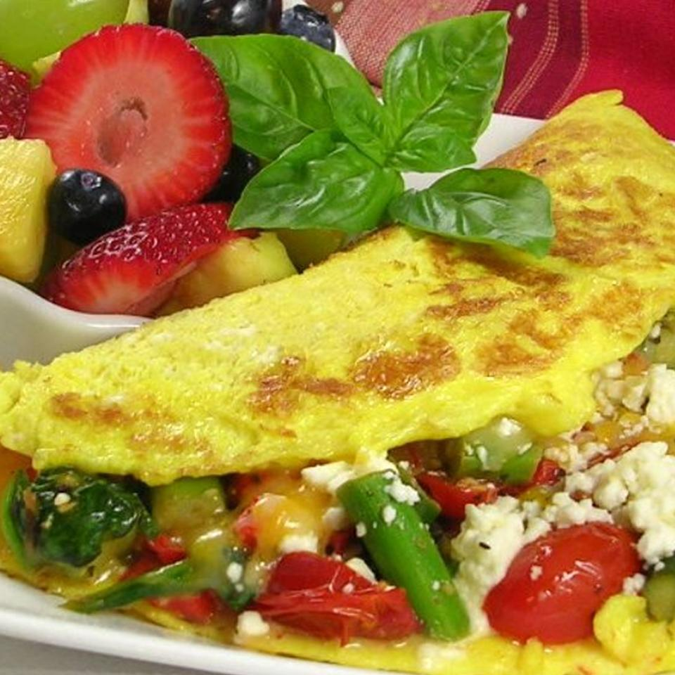 Greek Omelet with Asparagus and Feta Cheese DIZ♥