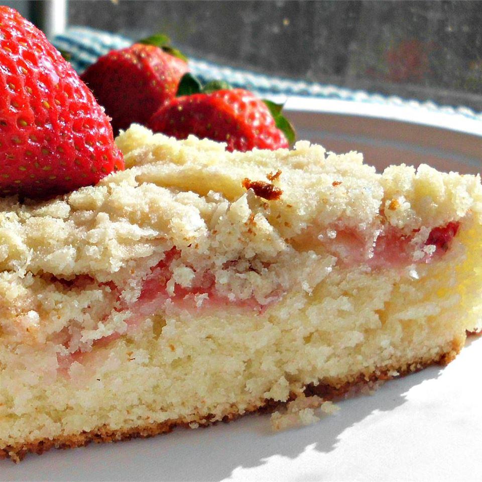 Fresh Strawberry Coffee Cake_image