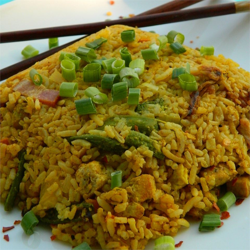 Thai Fried Rice with Pineapple and Chicken eatvancity