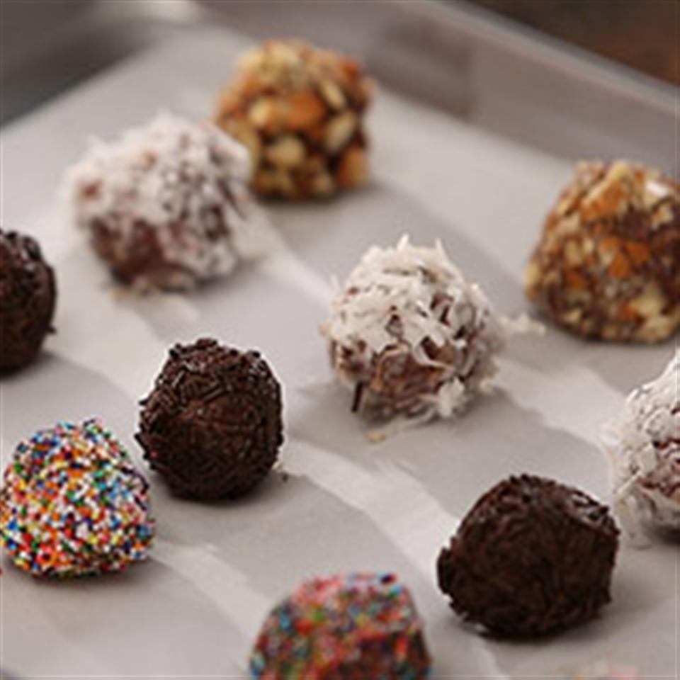 utokias chocolate peanut butter candies