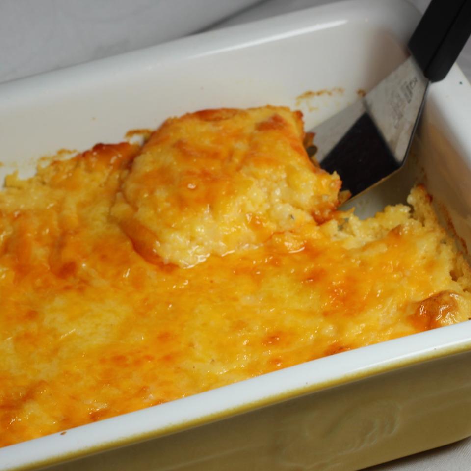 Kentucky Garlic Cheese Grits
