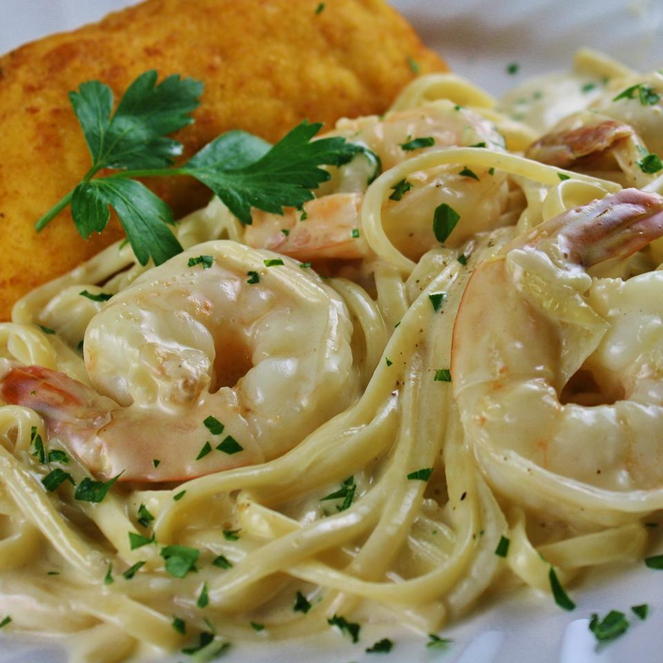 Creamy Garlic and Onion Spaghetti j2white