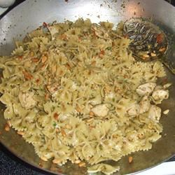 Teena's Spicy Pesto Chicken and Pasta Pagelit