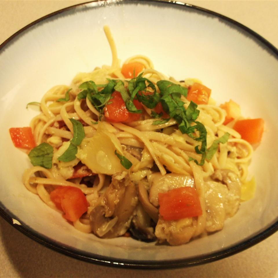 Carrie's Artichoke and Sun-Dried Tomato Pasta