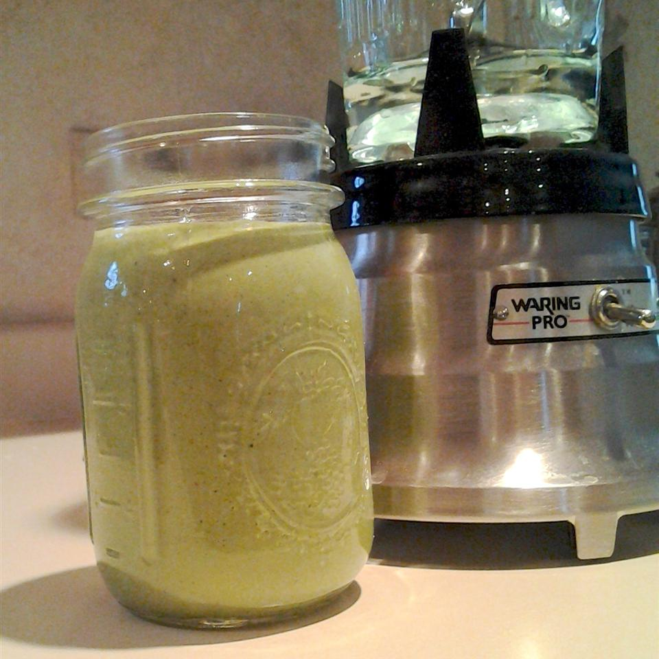 Green Banana and Peanut Butter Smoothie