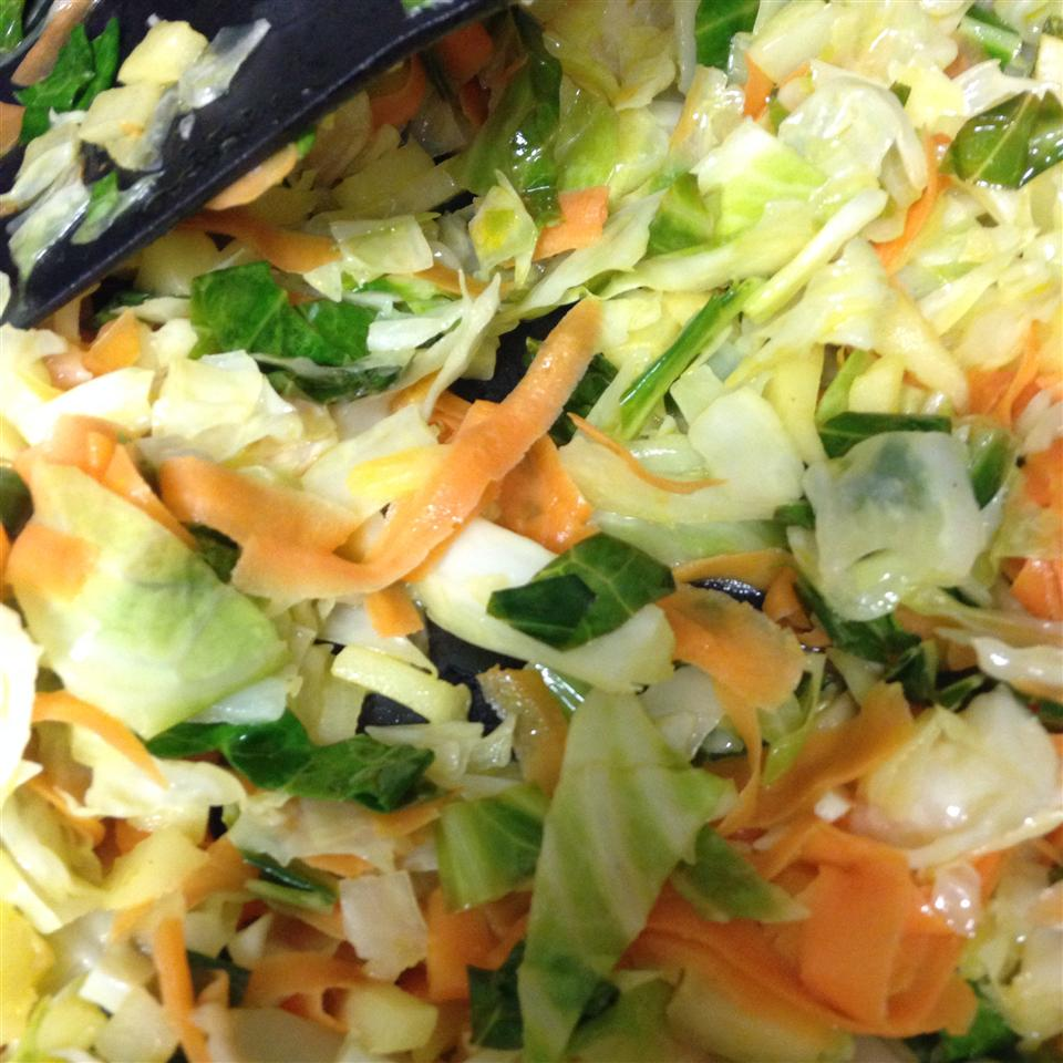 Cabbage and Noodles with Apple and Carrot madninnie