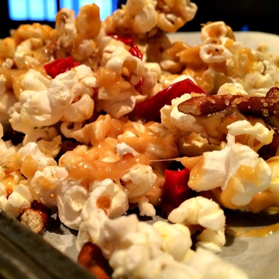 Lovely Lisa's Sweet and Salty Caramel Popcorn