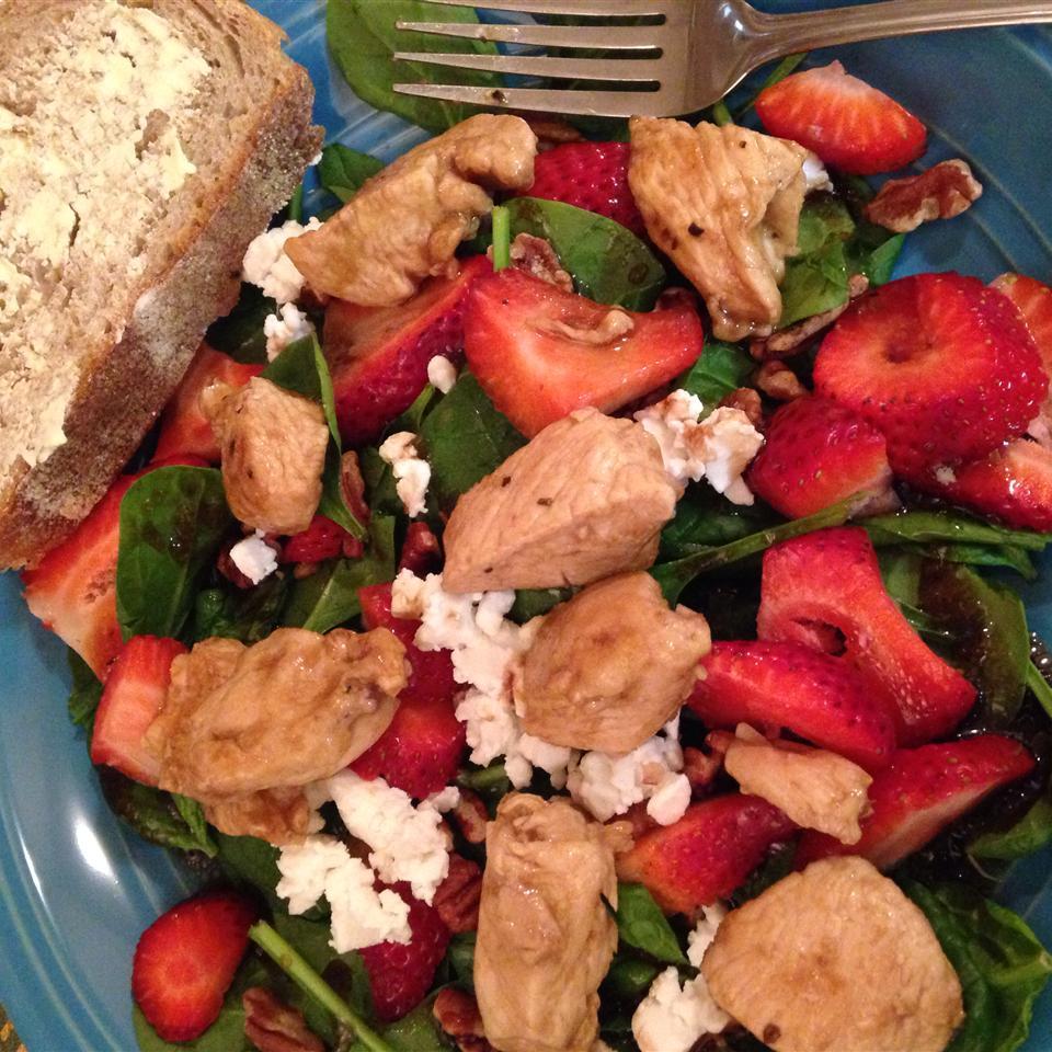 Spring Strawberry Salad with Chicken bekahpf