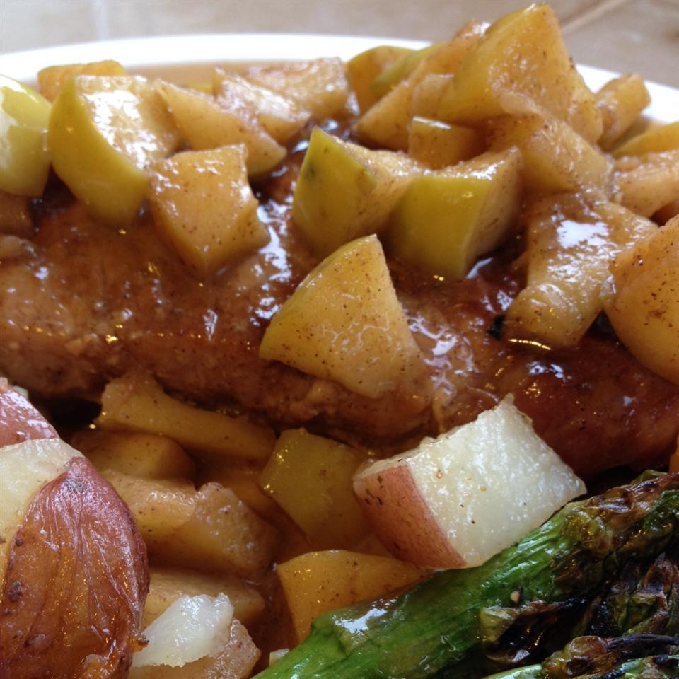 Momma Pritchett's Grilled Pork Chops and Apple-Pear Topping alliehoe