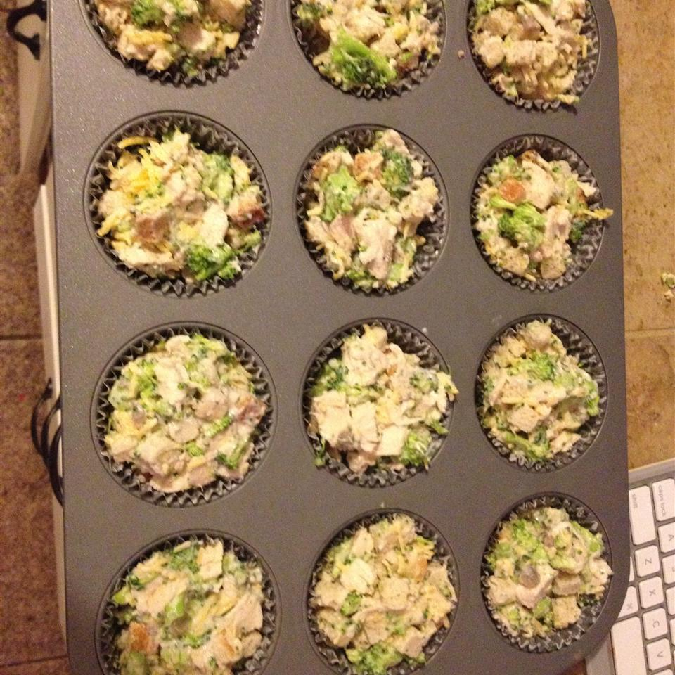 Mini Chicken and Stuffing Cups scepure5561