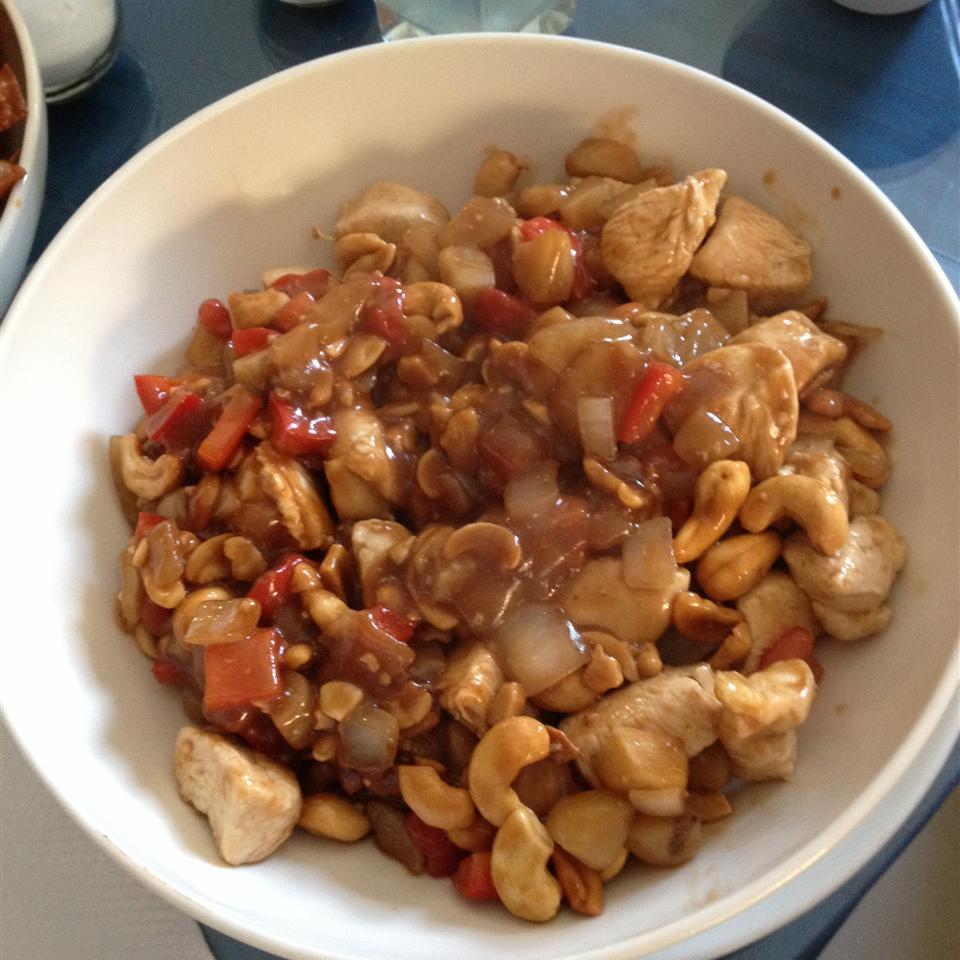 Cashew Chicken with Water Chestnuts