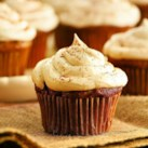 Recipes for Thanksgiving Cakes & Thanksgiving Cupcakes Slideshow - From carrot cake to ginger cake, delicious Thanksgiving cake recipes and cupcake recipes for Thanksgiving.