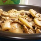 Pat's Mushroom Saute - Mushrooms sauteed in butter, balsamic vinegar, garlic and oregano. This recipe calls for button mushrooms, but it would be great with any mushroom.