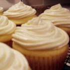 Best Buttercream Frosting - Best buttercream frosting--great for Aunt Mary's Chocolate Cake!