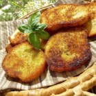 Garlic Crouton Slices - Get large crisp croutons ideal for French onion soup with this recipe.