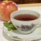 Emerald-Drop Snow Tea - This emerald drop snow tea is inspired by The Lion, The Witch, and the Wardrobe movie and is a nice warm beverage to sip while watching.