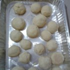 Amaretto Butter Balls - Buttery and round cookie with almond liqueur. Chopped nuts optional.