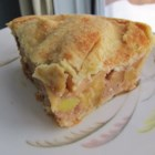 Canadian Apple Pie - This Canadian apple pie is sweetened with - of course - maple syrup.