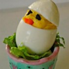 Easter Chick Deviled Eggs - Impress your Easter brunch guests with these adorable 'chick' deviled eggs using this quick and easy deviled egg recipe.
