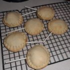 Mini Pie Pops - Use premade pie crust, canned pie filling, and cake-pop sticks to make these super simple mini pie pops!