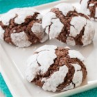 Chocolate Mint Crinkle Cookies - Mint and chocolate meet again in everyone's favorite chocolate cookie.
