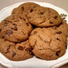Daddy Cookies (Gluten- and Grain-Free Peanut Butter and Chocolate Chip Cookies) - These gluten-free and grain-free peanut butter and chocolate chip cookies are a delicious treat to make for the gluten-free people in your family.