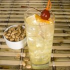 Vodka Collins - Here's a GREAT and refreshing drink for parties! Vodka, sweet and sour, and carbonated water. It's a classic!