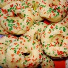 Mexican Cookie Rings - This cookie is sure to win compliments and they don't take hours to make.