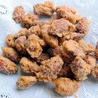 Cinnamon-Roasted Almonds - Here is an easy snack idea to serve at any holiday party.