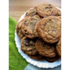 Best Chocolate Chip Cookies - Crisp edges, chewy middles, and so, so easy to make. Try this wildly-popular chocolate chip cookie recipe for yourself.