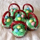 Easter Surprise Cupcakes - The kids love finding the hidden chocolate egg in these cupcakes!