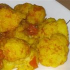 Easy Curried Cauliflower - This is quick and delicious! Eat the cauliflower with plenty of naan or rice; it's especially delicious with a side of plain yogurt!