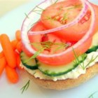 Queenie's Killer Tomato Bagel Sandwich - A pleasant breakfast treat. Easy to prepare and totally portable!