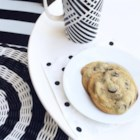 Light and Fluffy Chocolate Chip Cookies - These light and fluffy chocolate chip cookies are perfectly soft and crunchy at the same time and are ready in less than 20 minutes.