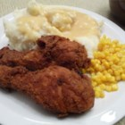 Fried Chicken with Creamy Gravy - Seasoned fried chicken with a rich gravy made from the pan drippings.  Down home goodness.