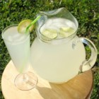 Refreshing Limeade - Serve this delicious and refreshing sugar-free drink over ice on a hot day.