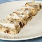 Banana Date Bars - A  scrumptious blend of banana,  dates, almonds,  lemon, and vanilla will tantalize your tastebuds and it's also very nutritious.