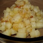 Country Style Fried Potatoes - Simple fried potatoes, with salt, pepper and garlic powder.