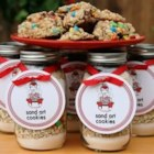 Sand Art Cookies - A perfect quick and easy gift. The layers in the jar are as beautiful as a work of art.