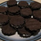 Gloreo Cookies - Make your own 'oreo' cookies!