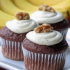 Easy Chocolate Banana Cake - Easy to make cake. Dust with confectioners' sugar, no frosting needed.
