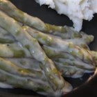Aromatic Asparagus - An aromatic asparagus recipe scented with sage and thyme.
