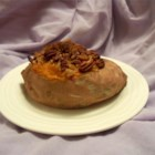 Stuffed Baked Sweet Potatoes with Pecans - This recipe makes 6 little mini sweet potato casseroles without all the mess!