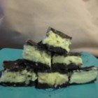 Chocolate Cookie Nanaimo Bars - These 3-layer Nanaimo bars have a crushed sandwich cookie crust!