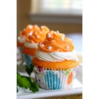 Dreamy Orange Cupcakes - These cupcakes blend two of my favorite flavors: orange and vanilla! Reminiscent of a childhood ice cream pop treat, these cupcakes will make you feel like a kid again!