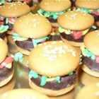 No Bake Deluxe Hamburger Cookies - Fun cookies that look like little hamburgers!